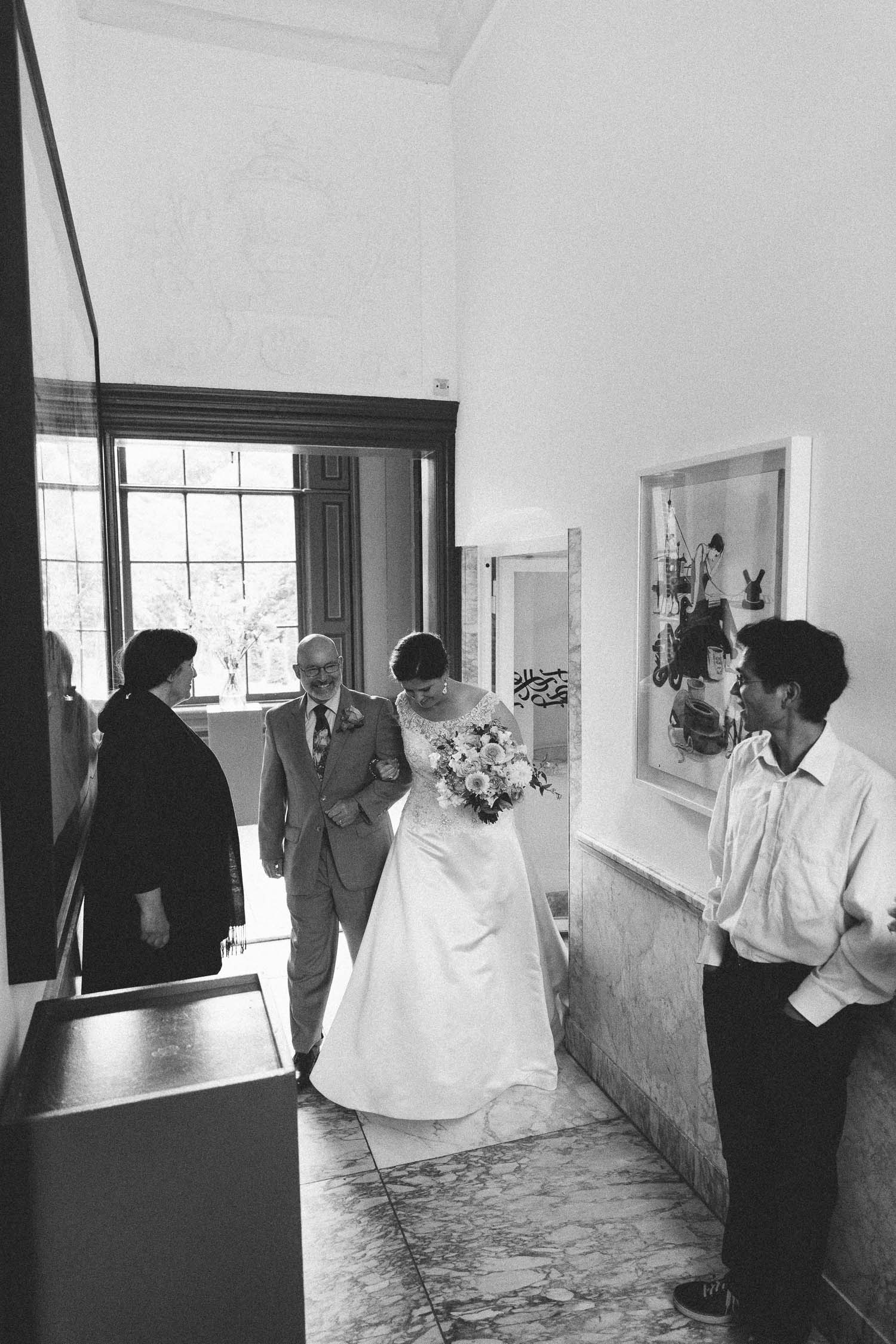 Wedding-huwelijk-trouwen-bruiloft-photography-fotografie-fotograaf-photographer-Huize-Frankendael-On-a-hazy-morning-Amsterdam-The-Netherlands-25.jpg