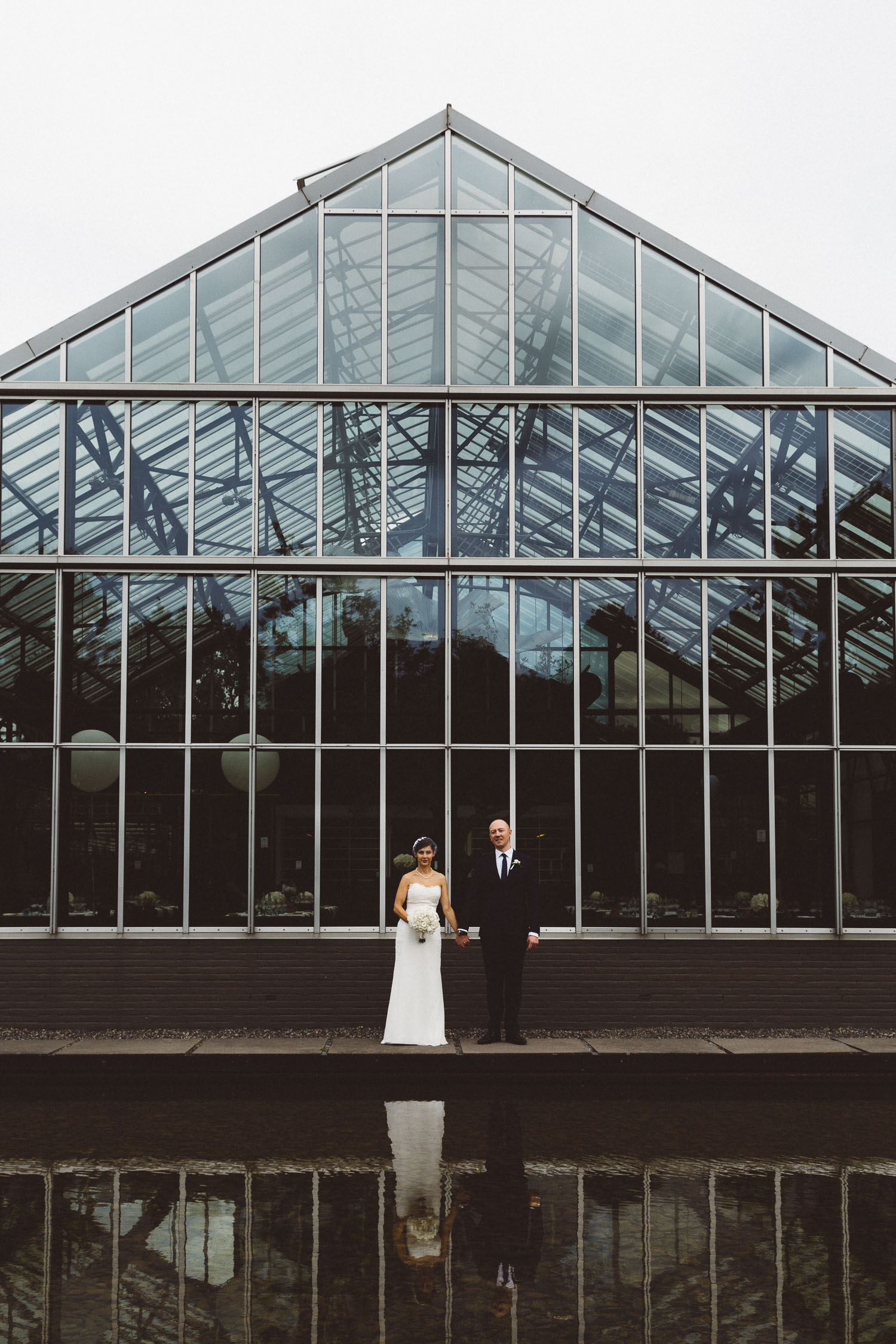 Wedding-huwelijk-trouwen-bruiloft-photography-fotografie-fotograaf-photographer-restaurant-de-Kas-On-a-hazy-morning-Amsterdam-The-Netherlands-100.jpg