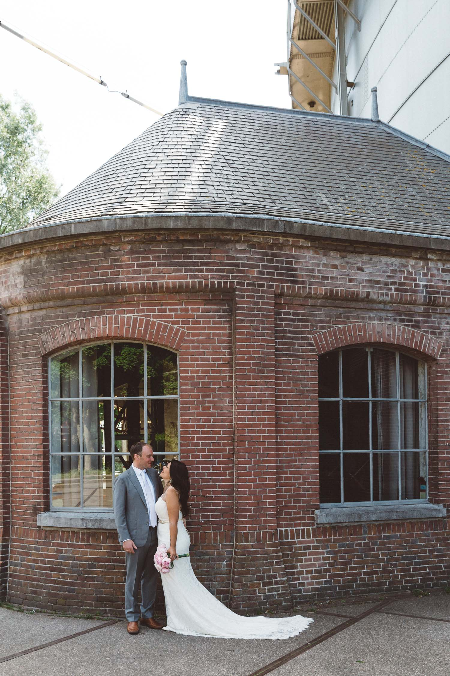 Wedding-Francesca-and-Nathan-photography-On-a-hazy-morning-Amsterdam157.jpg