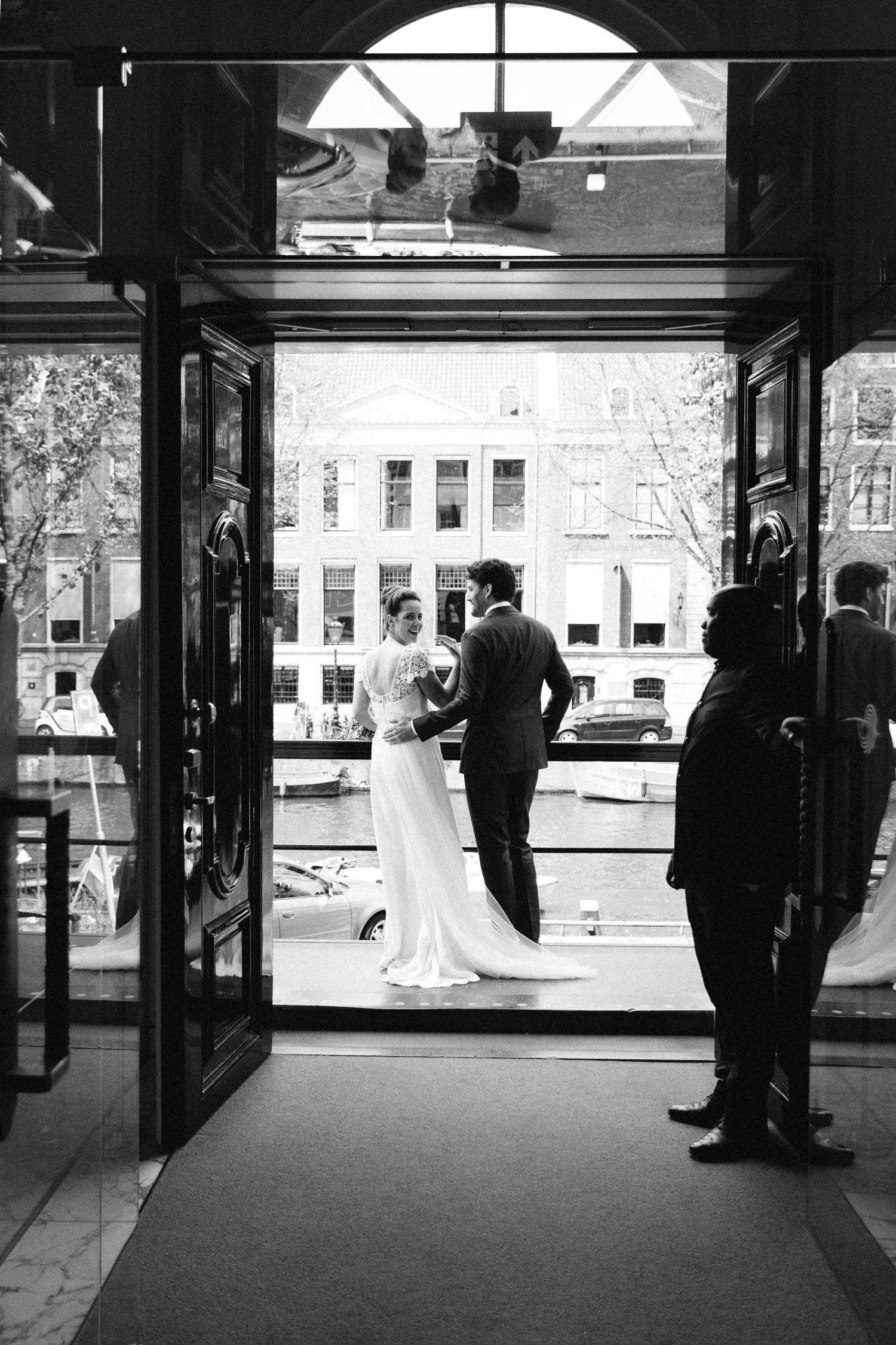 Backyard-wedding-Bruiloft-Annemiek-David-fotografie-photography-On-a-hazy-morning-Amsterdam-The-Netherlands097.jpg