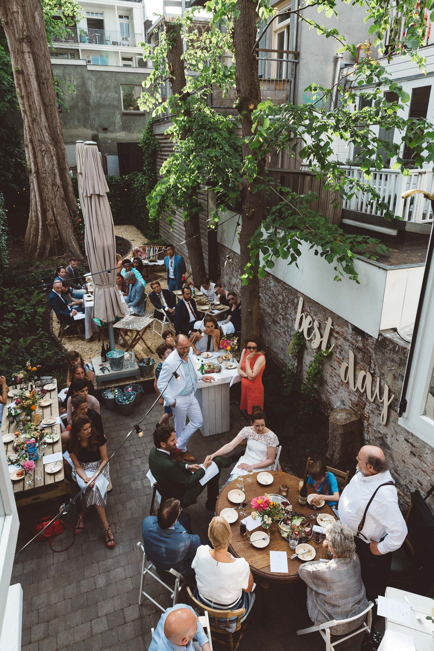 Backyard-wedding-Bruiloft-Annemiek-David-fotografie-photography-On-a-hazy-morning-Amsterdam-The-Netherlands435.jpg