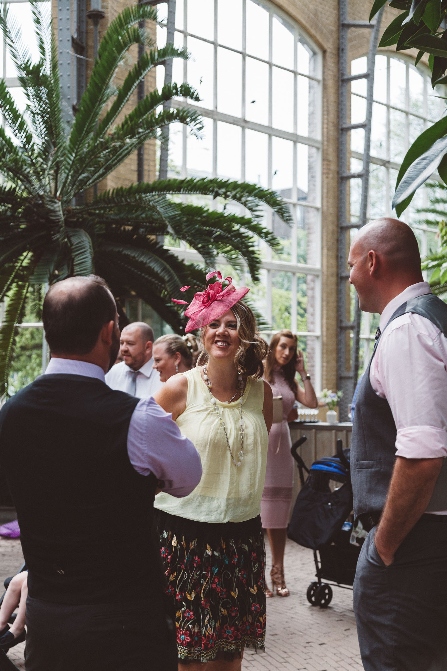 Wedding-Bethan-and-Mike-Hortus-Botanicus-photography-On-a-hazy-morning-Amsterdam001.jpg