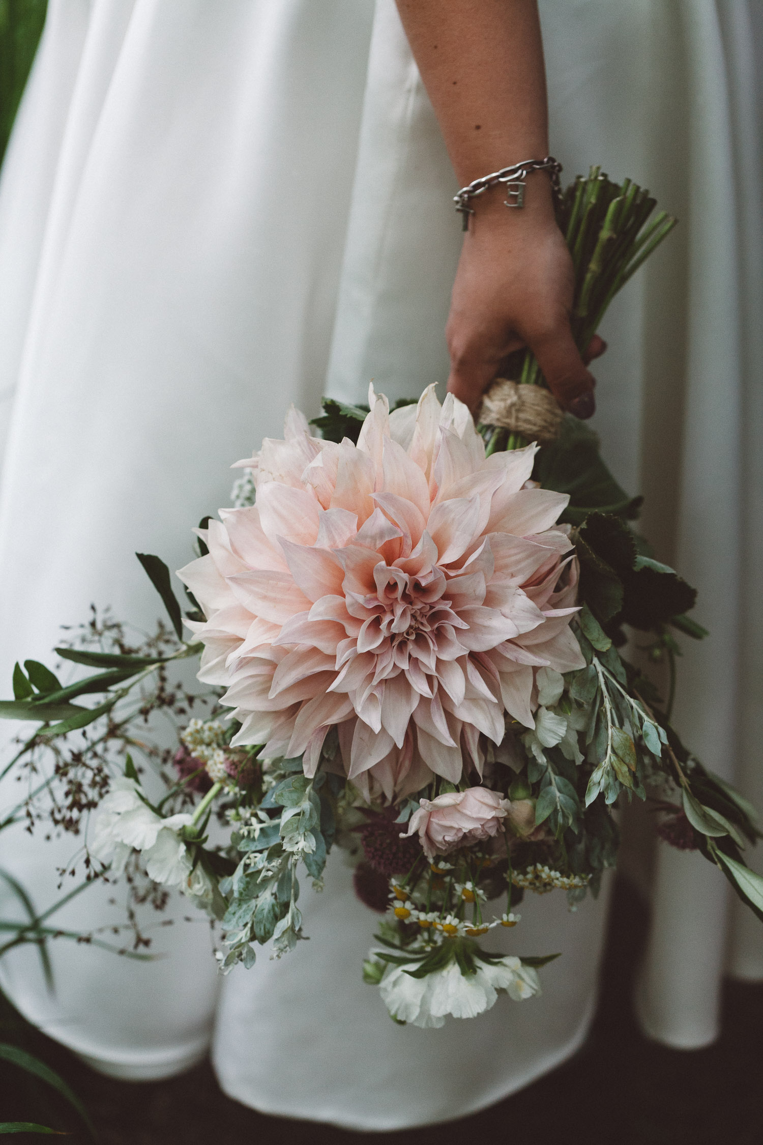Wedding-Bethan-and-Mike-Hortus-Botanicus-photography-On-a-hazy-morning-Amsterdam177.jpg