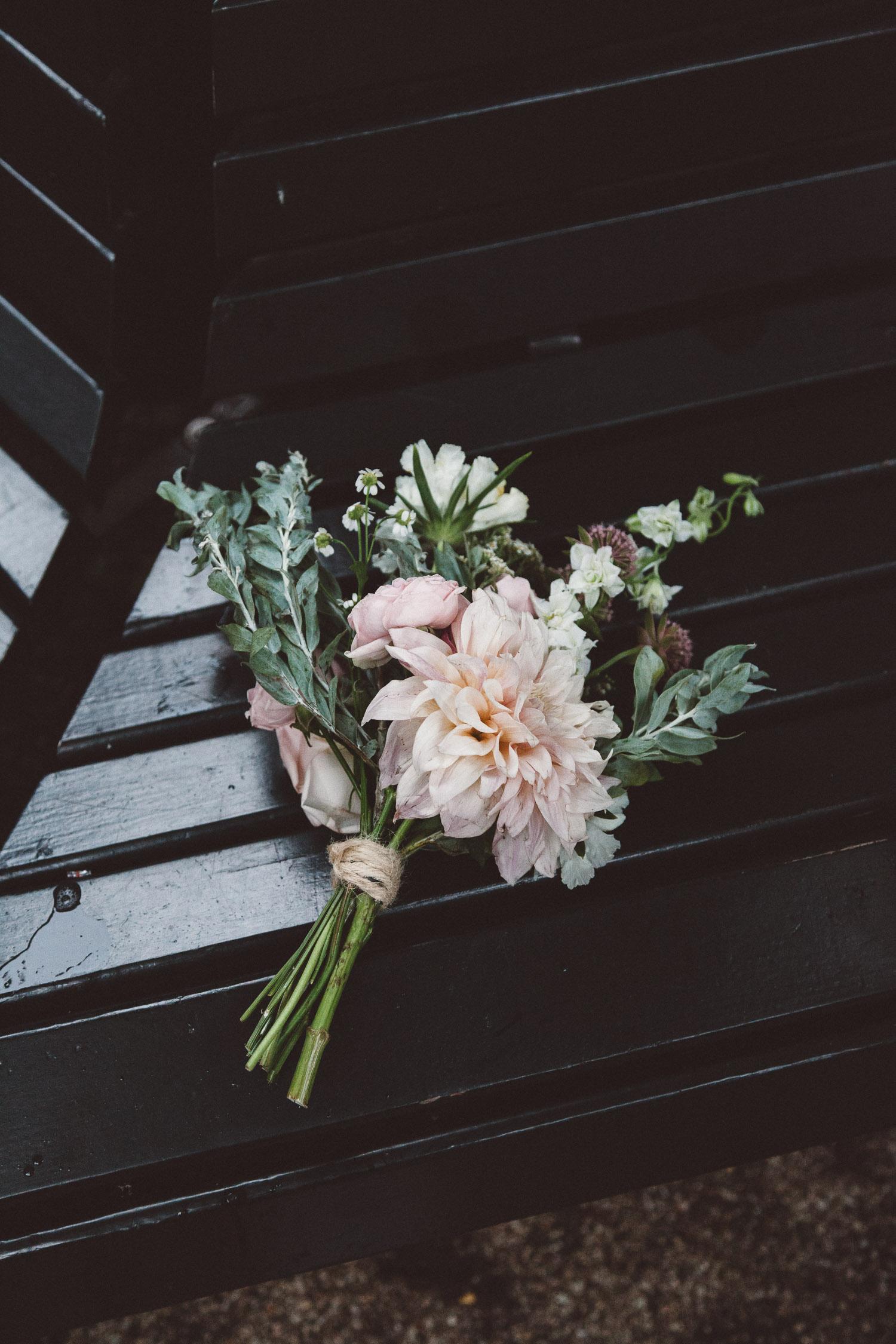 Wedding-Bethan-and-Mike-Hortus-Botanicus-photography-On-a-hazy-morning-Amsterdam253.jpg