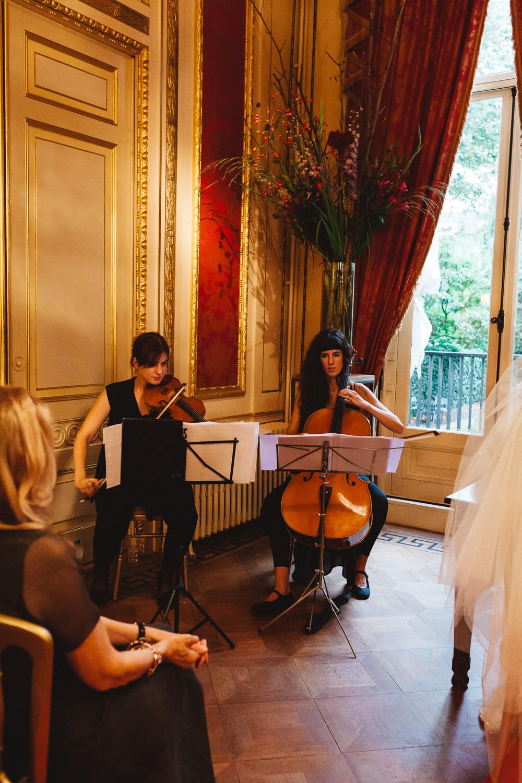 Wedding-Samantha-and-Paul-photography-On-hazy-morning-Amsterdam230.jpg
