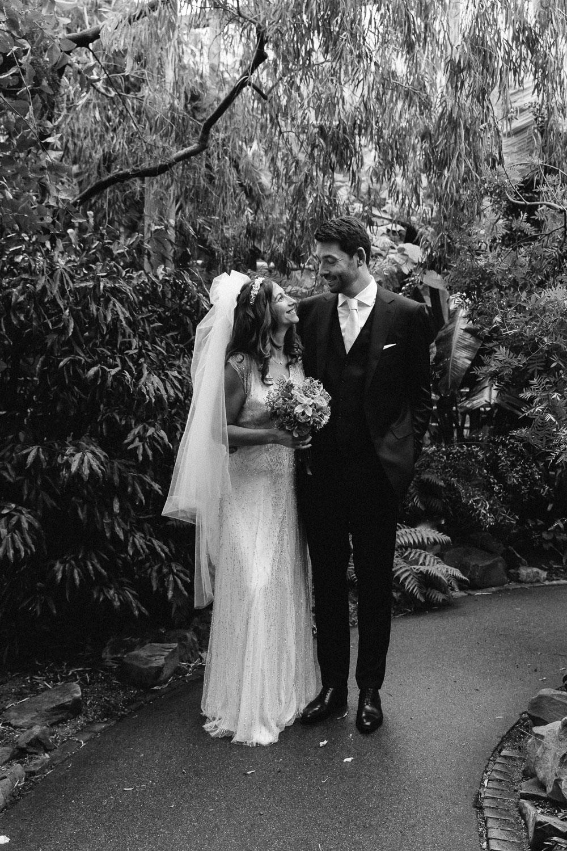 Wedding-Samantha-and-Paul-photography-On-hazy-morning-Amsterdam-LR-new116.jpg