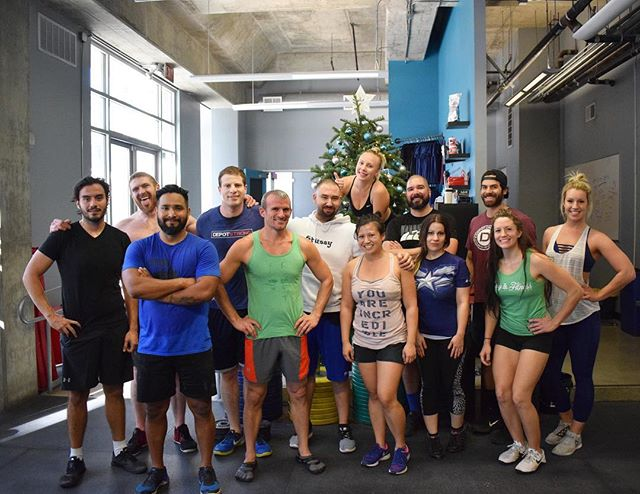 'Tis the season for postwod photos in front of the Christmas tree!💙🎄 #crossfitcommunity #happyholidays #postwod #depot #crossfit #depothollywood #community #depotstrong