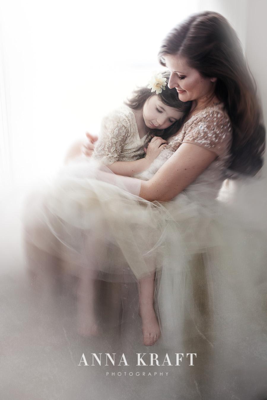 anna_kraft_photography_mother_daughter_georgetown_custom_boutique_portrait-11.JPG