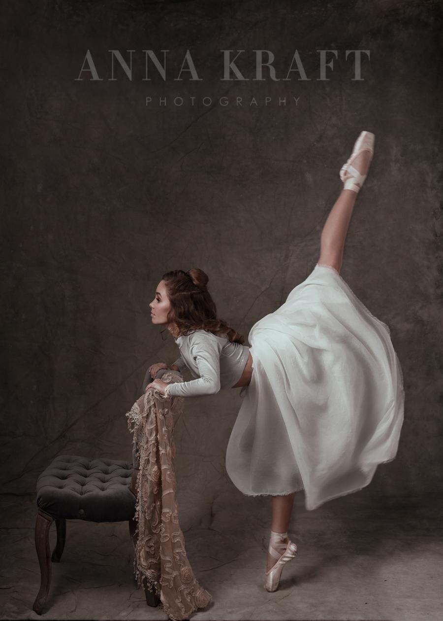 anna_kraft_photography_georgetown_square_studio_dance_portrait-30.jpg