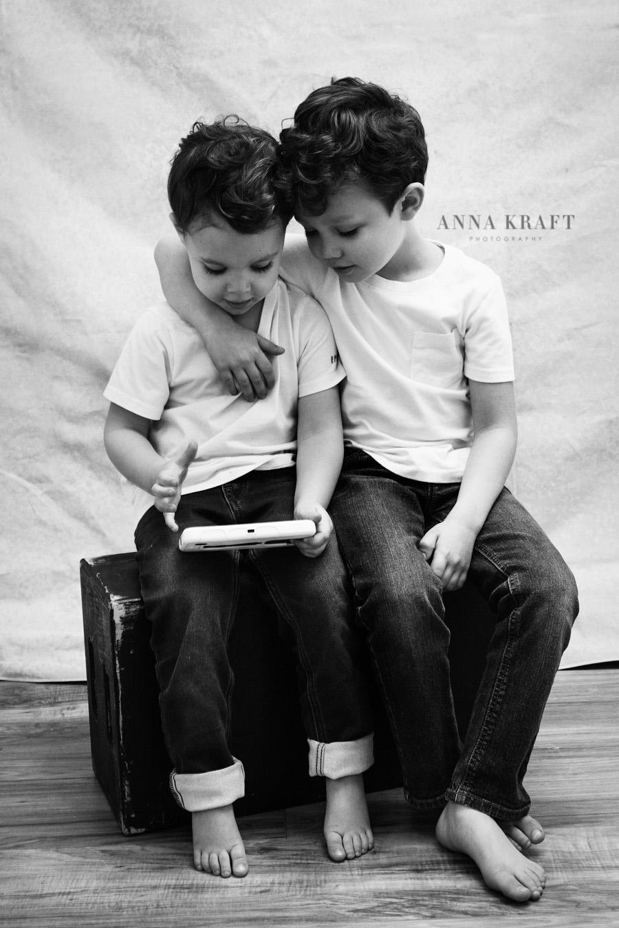 anna_kraft_photography_georgetown_square_studio_family_portrait-7.jpg