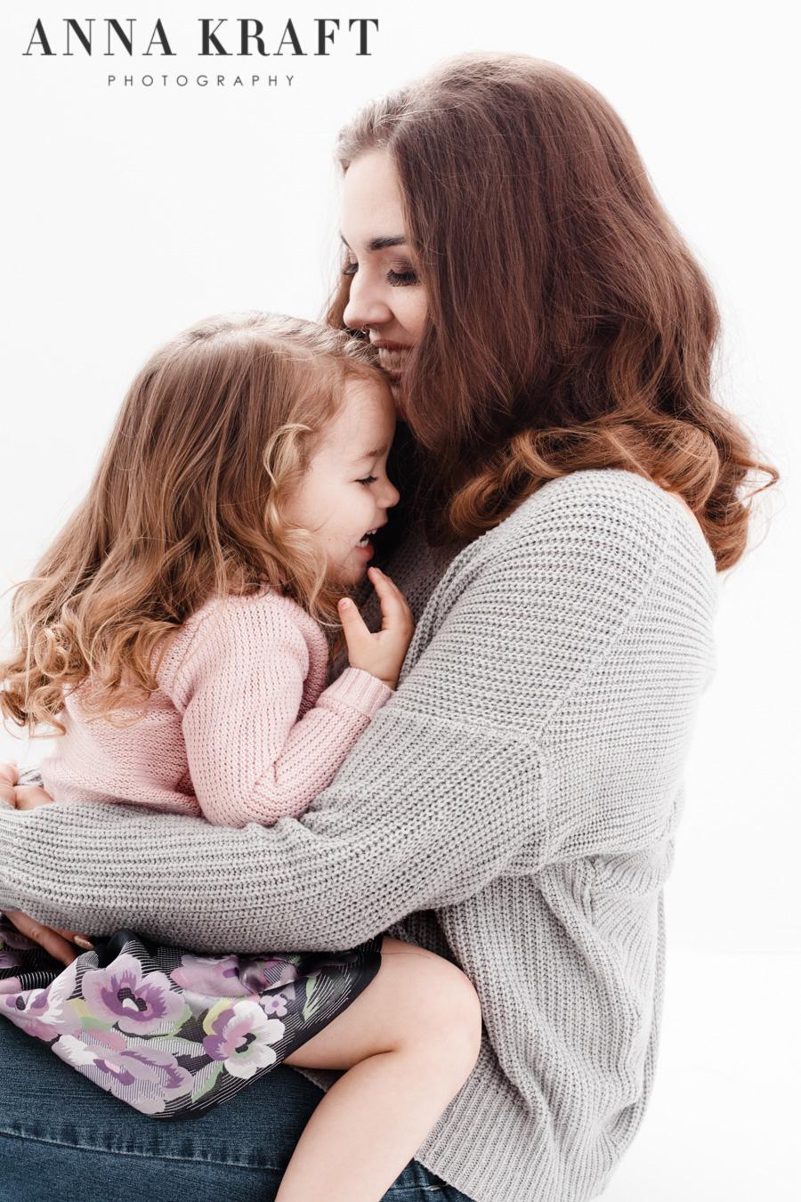 anna_kraft_photography_georgetown_square_studio_family_motherhood_daughter_portrait-5.jpg