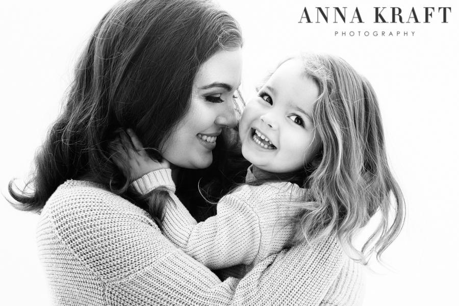 anna_kraft_photography_georgetown_square_studio_family_motherhood_daughter_portrait-12.jpg