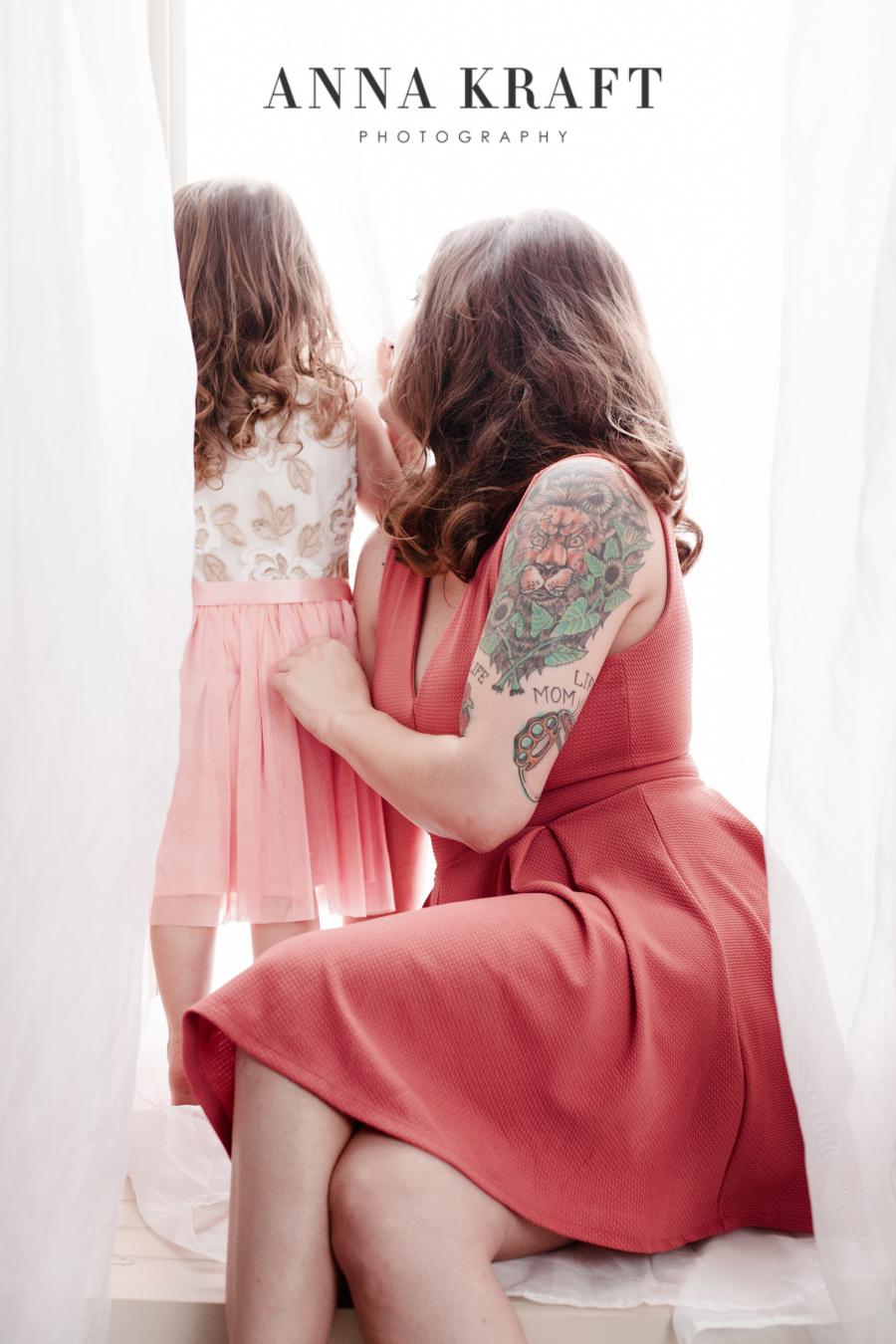 anna_kraft_photography_georgetown_square_studio_family_motherhood_daughter_portrait-13.jpg