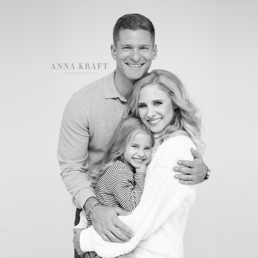 anna_kraft_photography_georgetown_square_studio_family_portrait_Christmas_walters_pictures-16.jpg