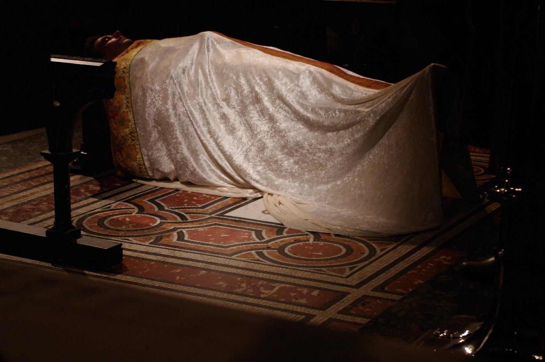 Becket corpse.jpg