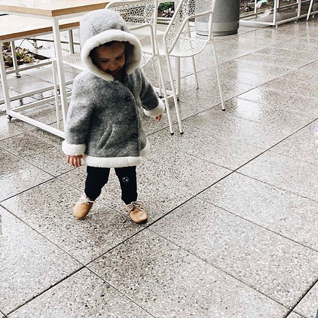 Loving the rain ☔️ & this cutie❣️ Pc: @ashleyandcrew