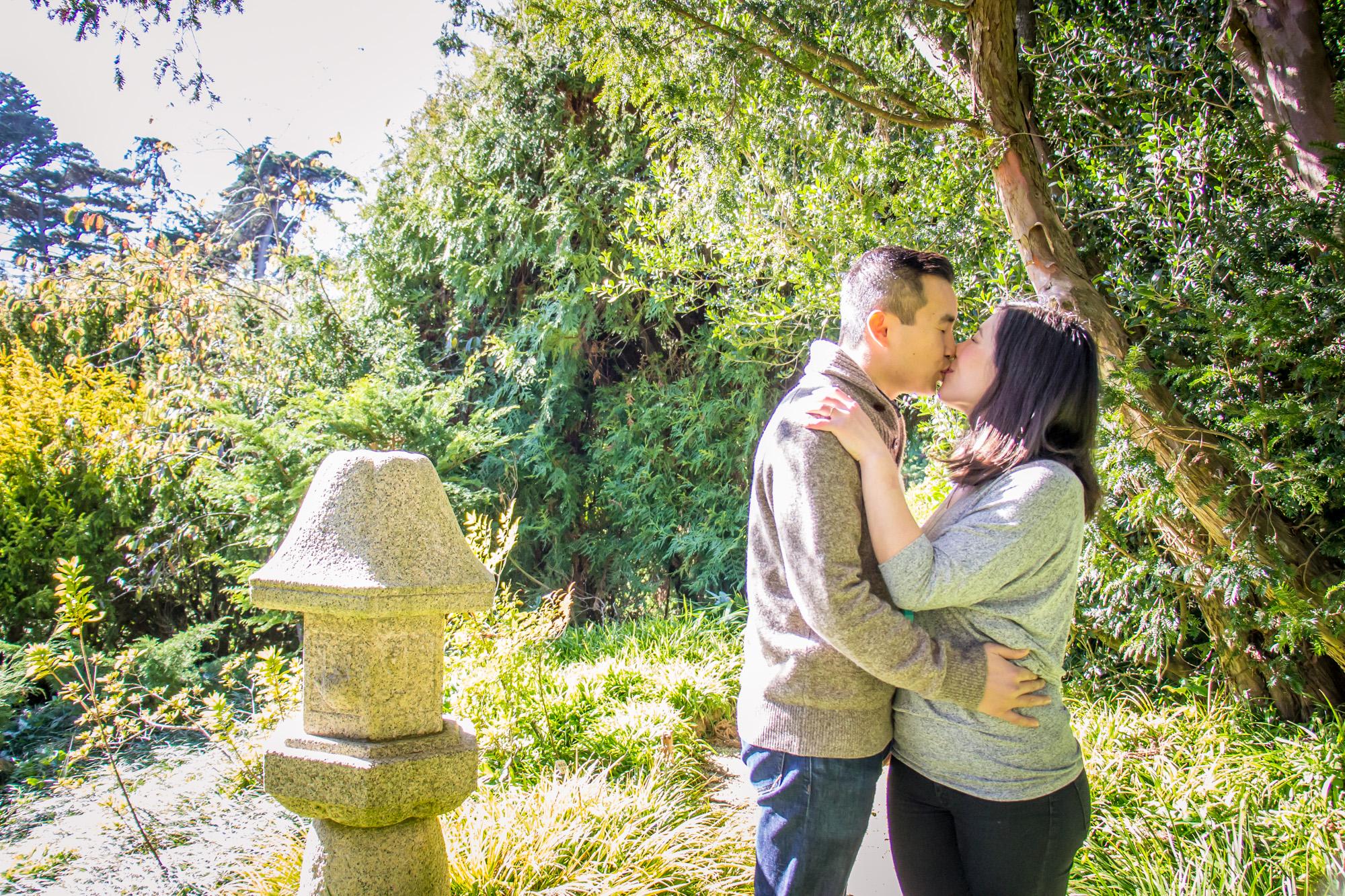 san francisco botanical gardens engagement photo