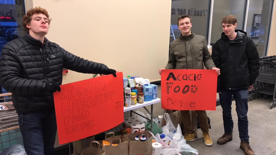 Wisconsin Chapter Served by Holding a Food Drive