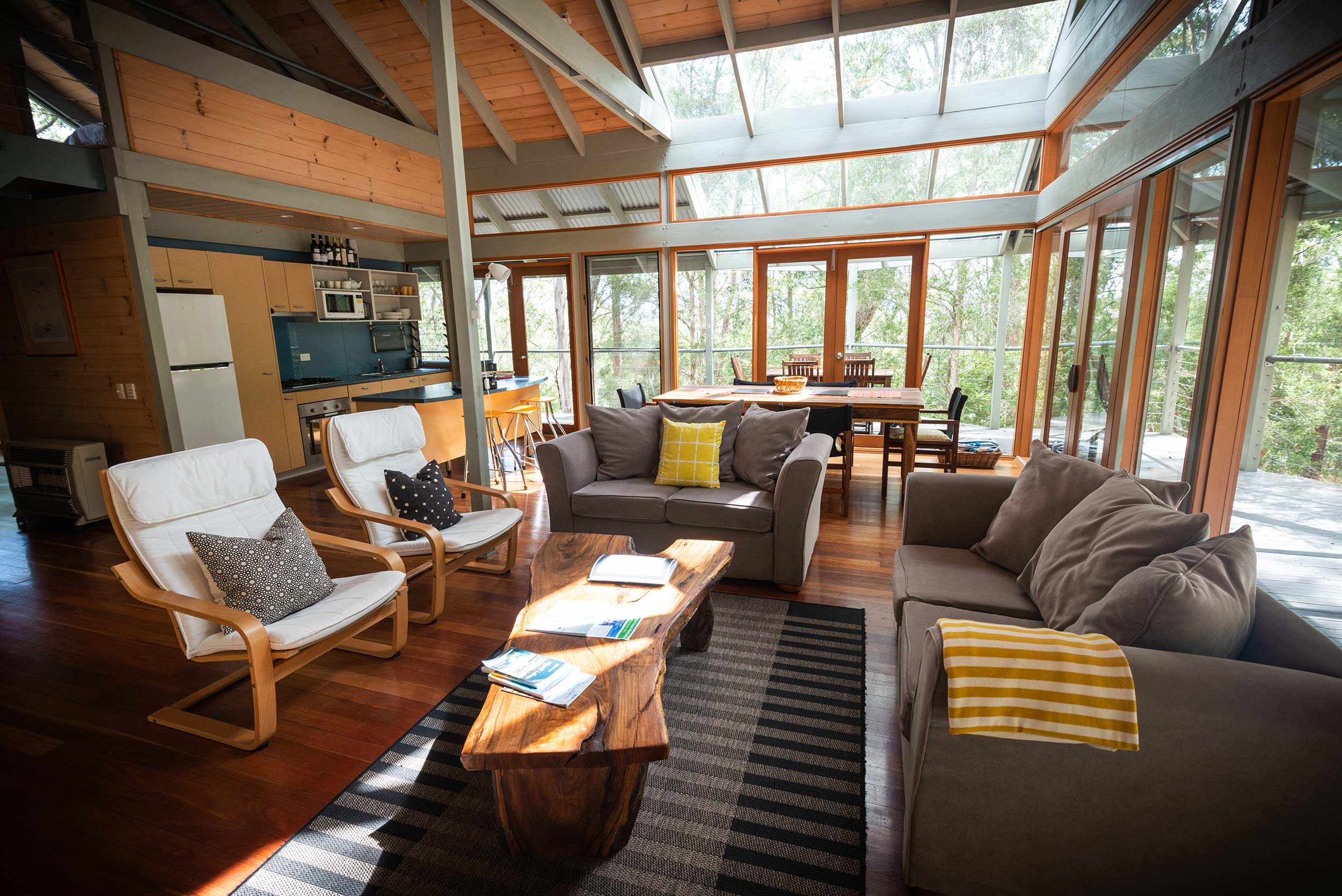 bombah-point-eco-cottage-living-space.jpg