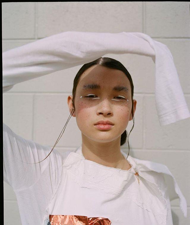 ✨Hair and makeup for @sickymag ✨ Penny @kultaustralia  Photography: @matt_godkin  Fashion: @alissarh___ . . #makeup #skin #thosefreckles #beauty #whiteliner #pinkcheeks