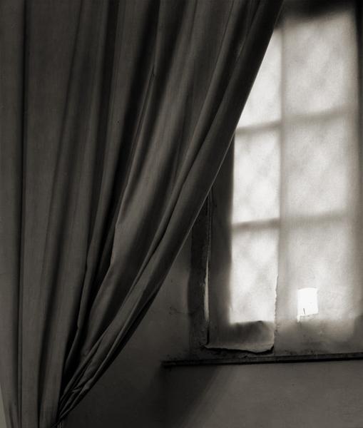 16.Triangle Curtain.jpg