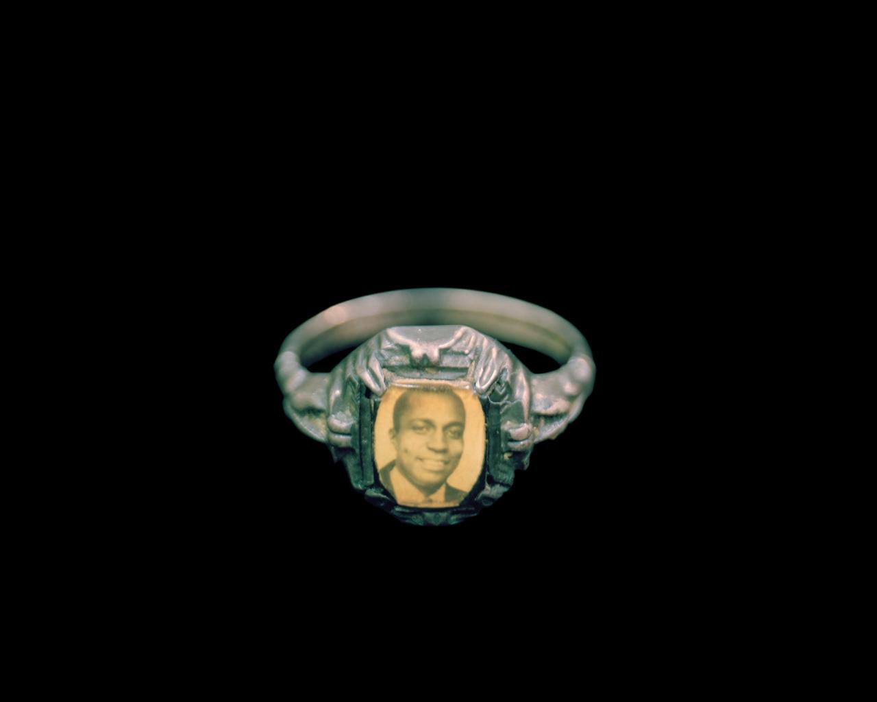 Stuhr_graduation_ring-108.jpg