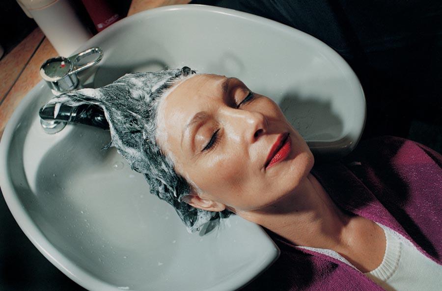 Mother's head in sink , 1999