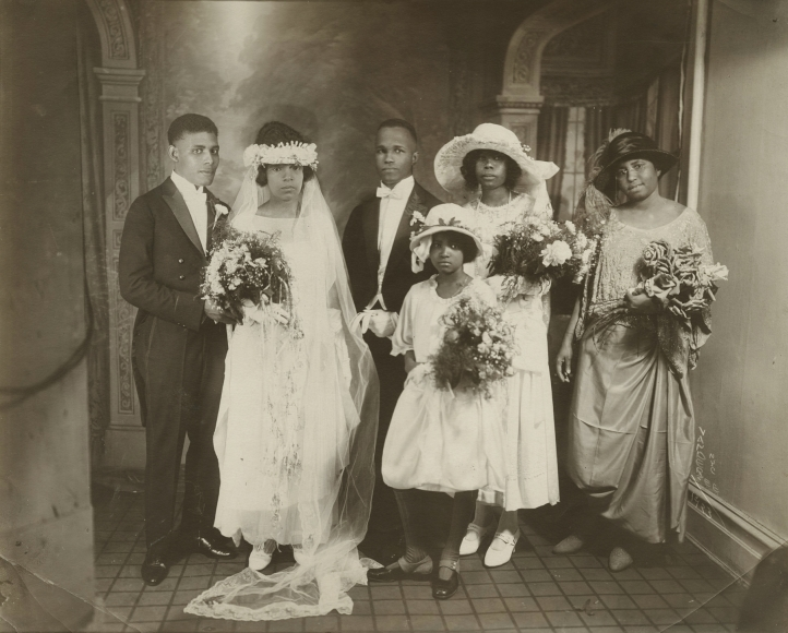 James Van Der Zee, Wedding Party, 1923. Courtesy Howard Greenberg Gallery, New York