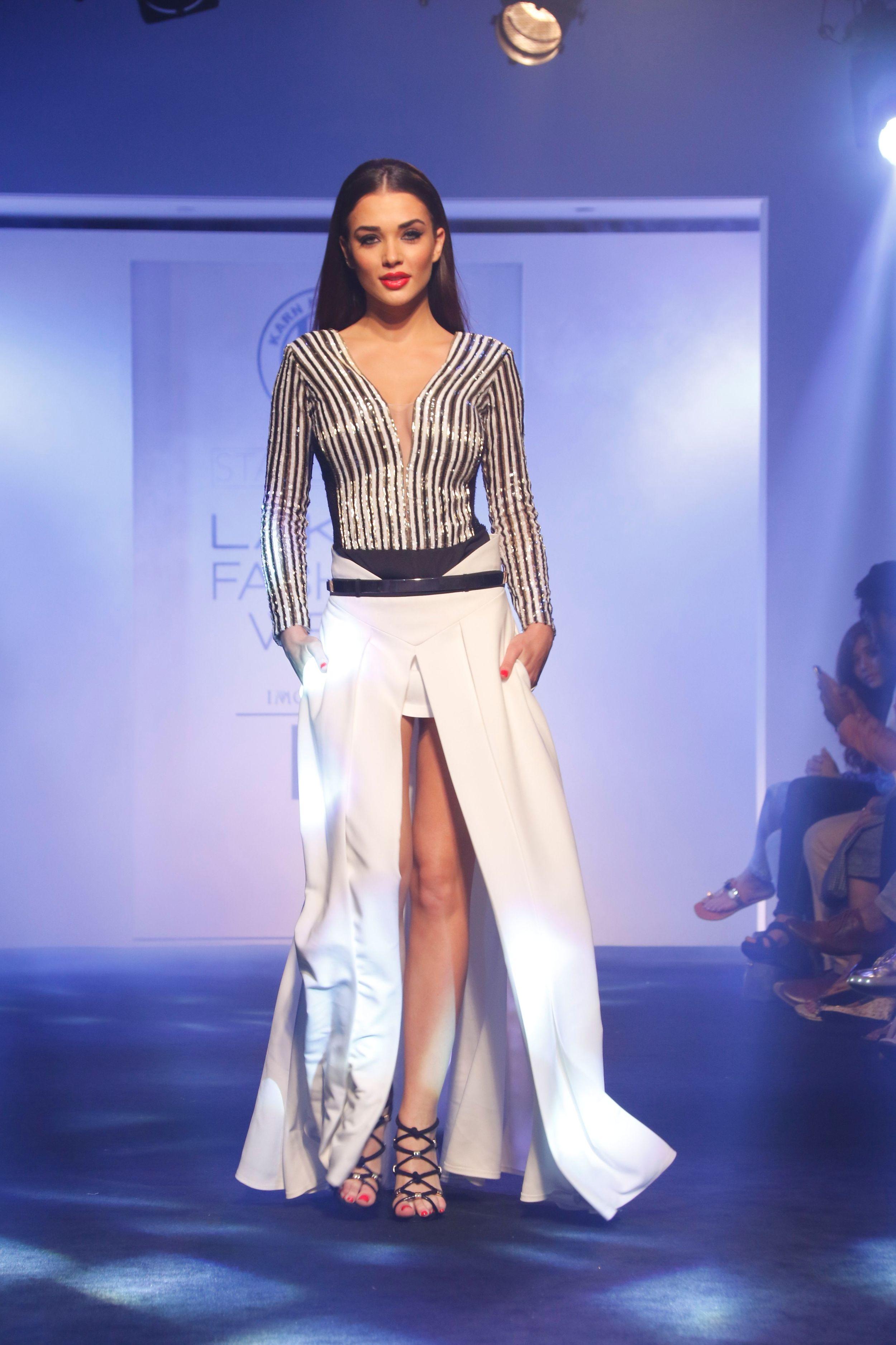 Karn-Malhotra-Lakme-Fashion-Week-8