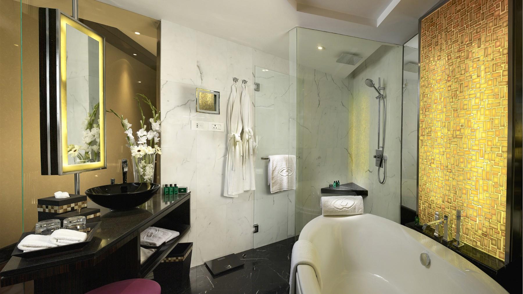 Sofitel-Mumbai-BKC-Luxury-Room-Bathroom.jpg