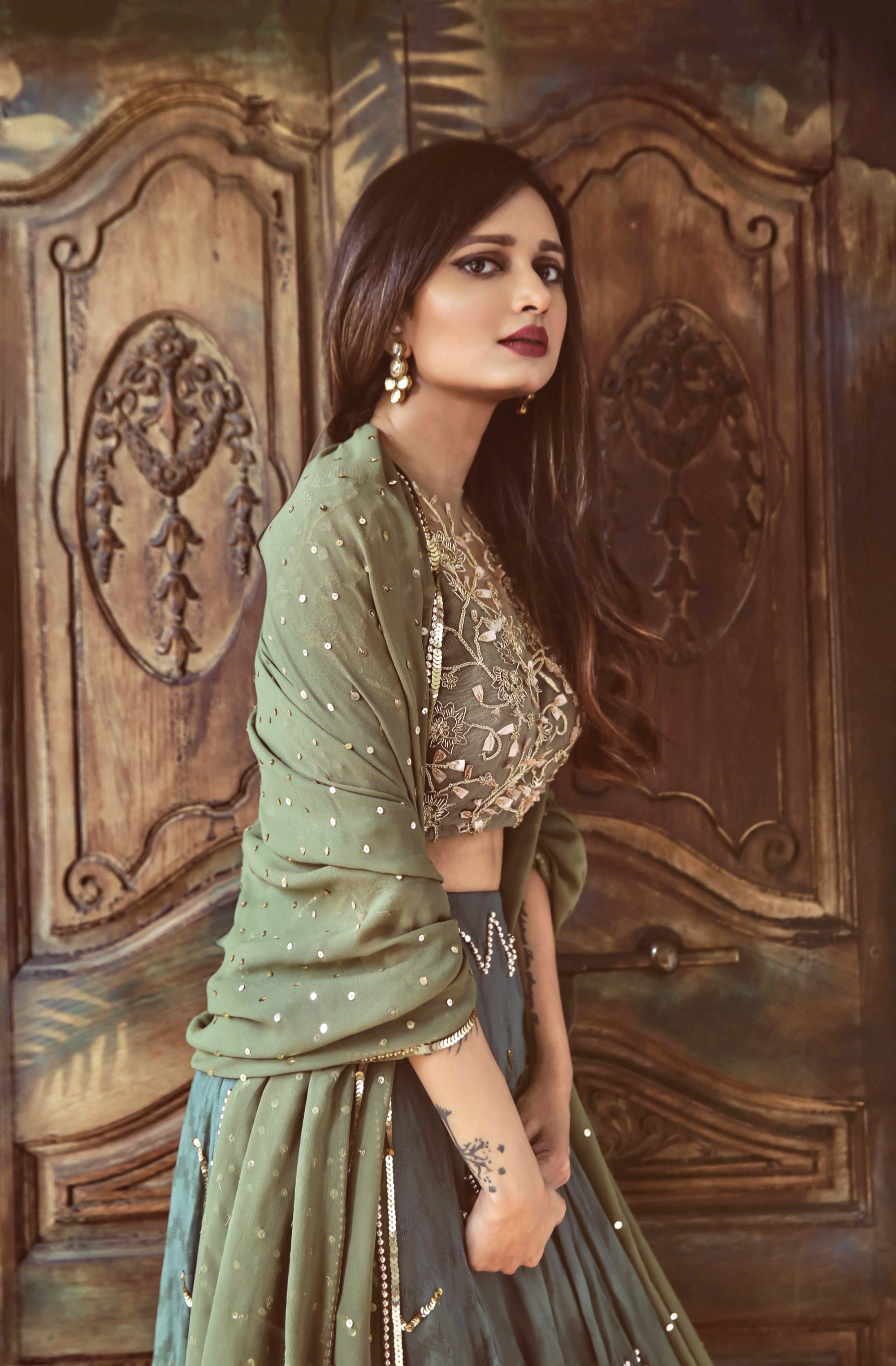 The-Chic-Armoire-by-Nidhi-Kunder-Ohaila-Khan-9