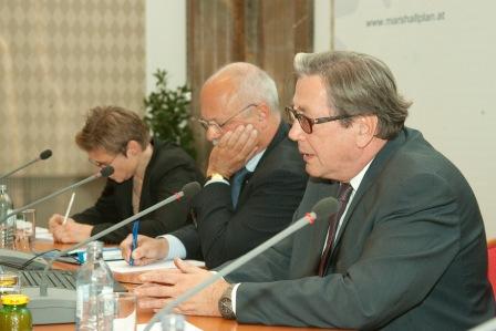 From left: Margit Schratzenstaller, Konrad Hummler, Ferdinand Lacina