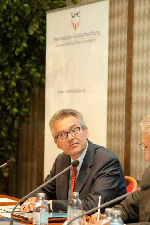 Moderator Anton Fink