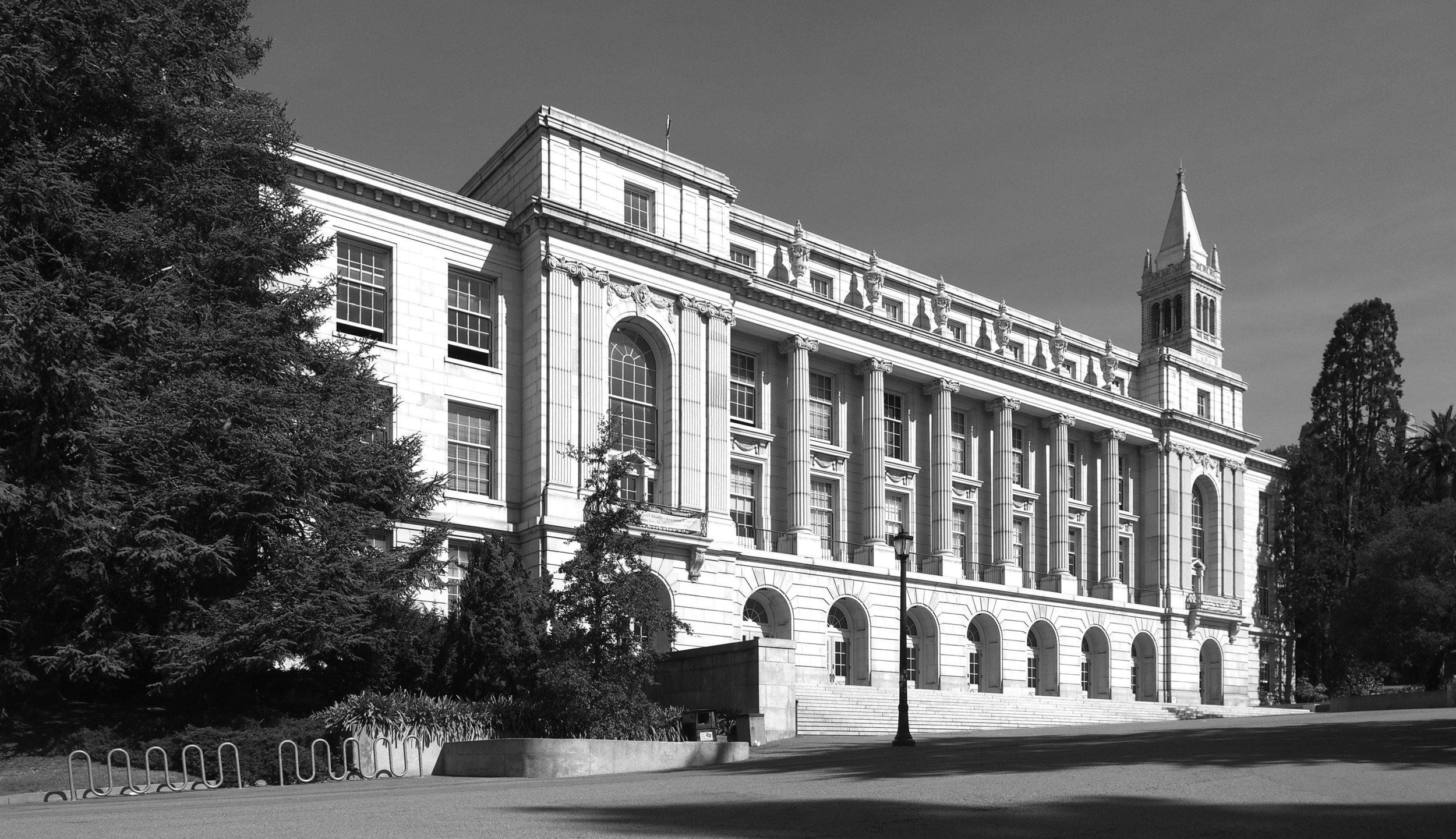 Wheeler Hall, University of California, Berkeley. Wikimedia,  User: Falcorian  Cretaive Commons 3.0