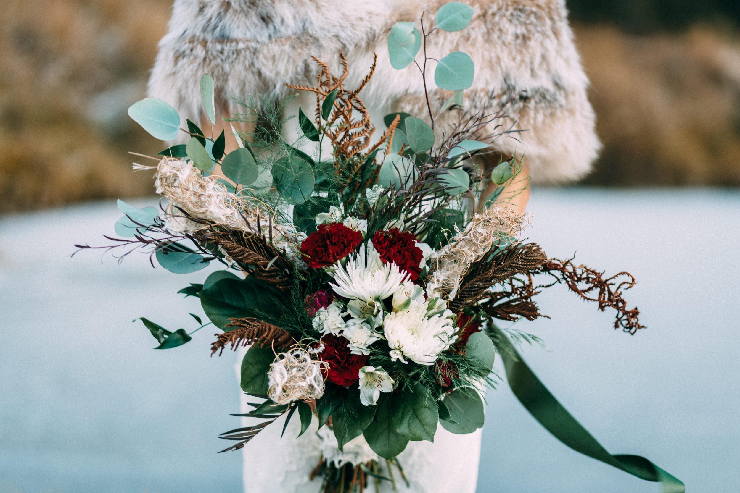 Bouquet by Alaska Knit Nat