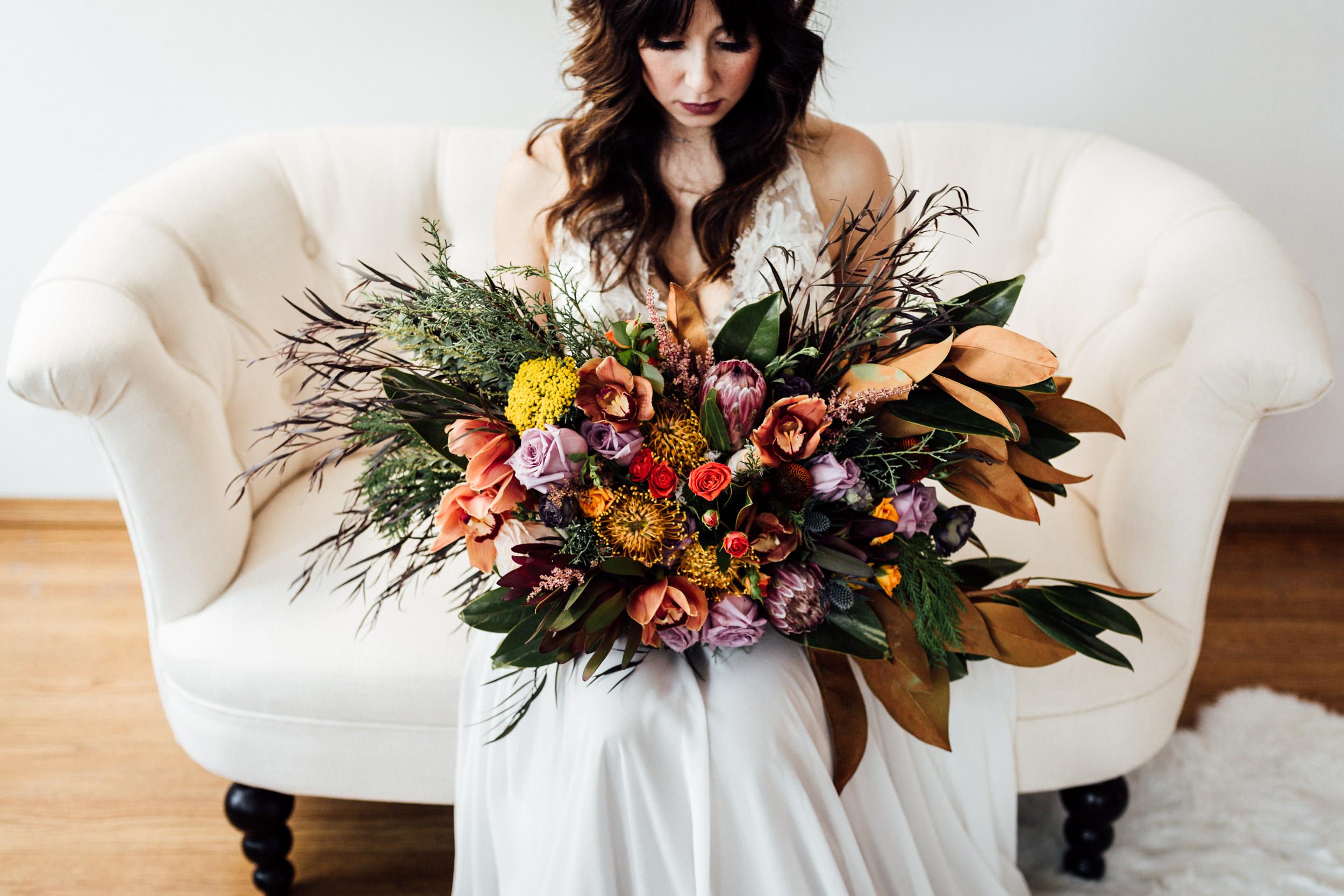 modern-bridal-bouquet.jpg