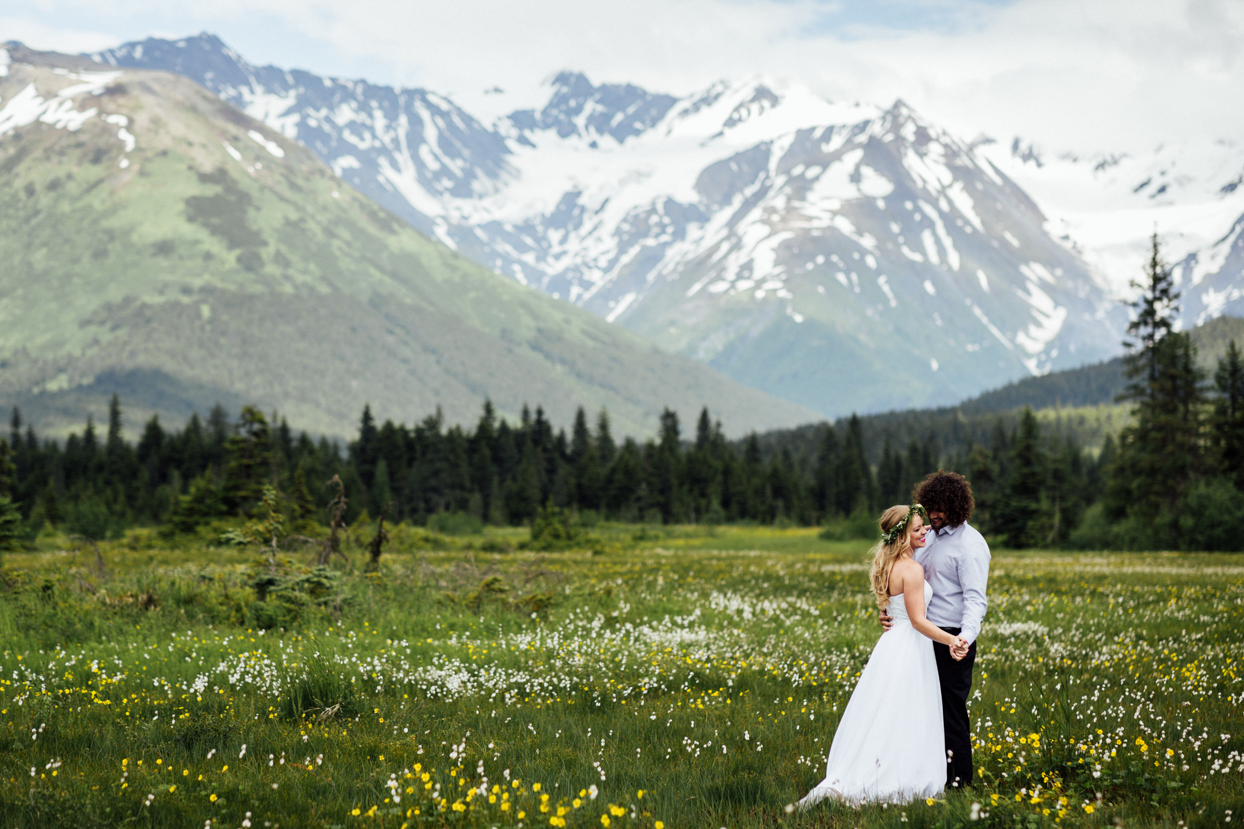 couple dancing in Girdwood meadow