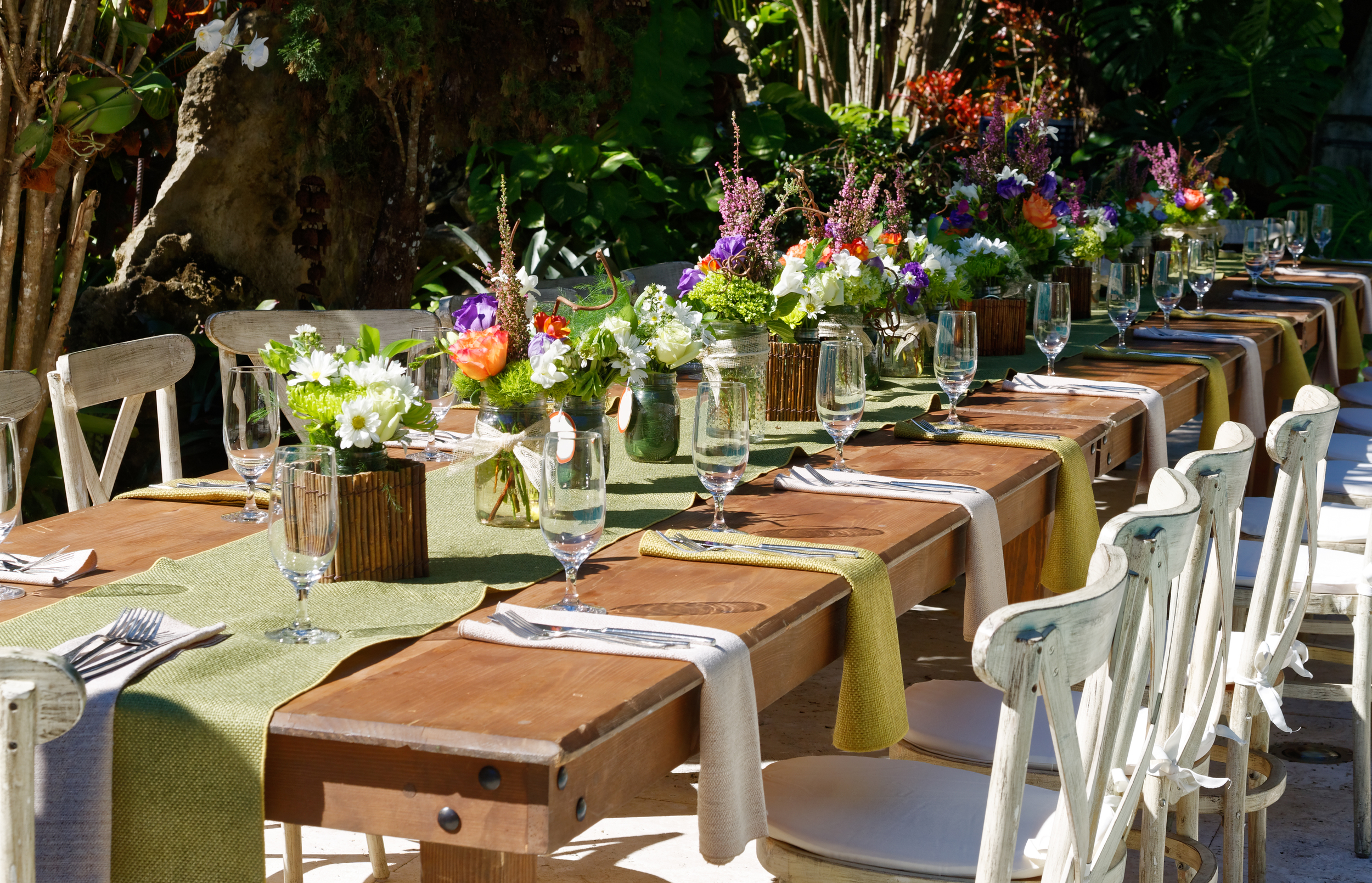 Thierry Isambert Culinary and Event design - Table Setting For A Garden Brunch At Home