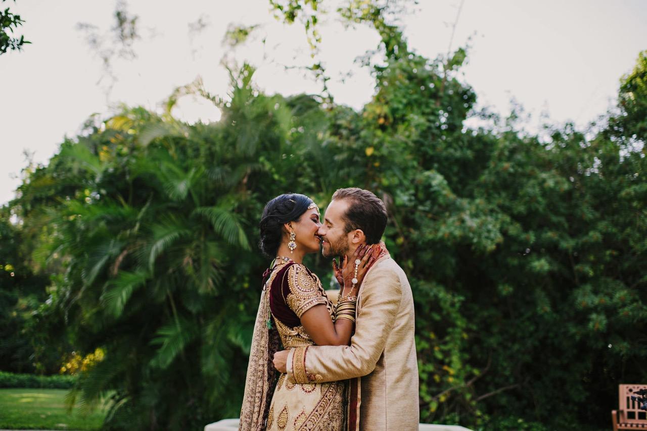 miami-luxury-catering-Wedding-Photography-28(pp_w1720_h1148).jpg