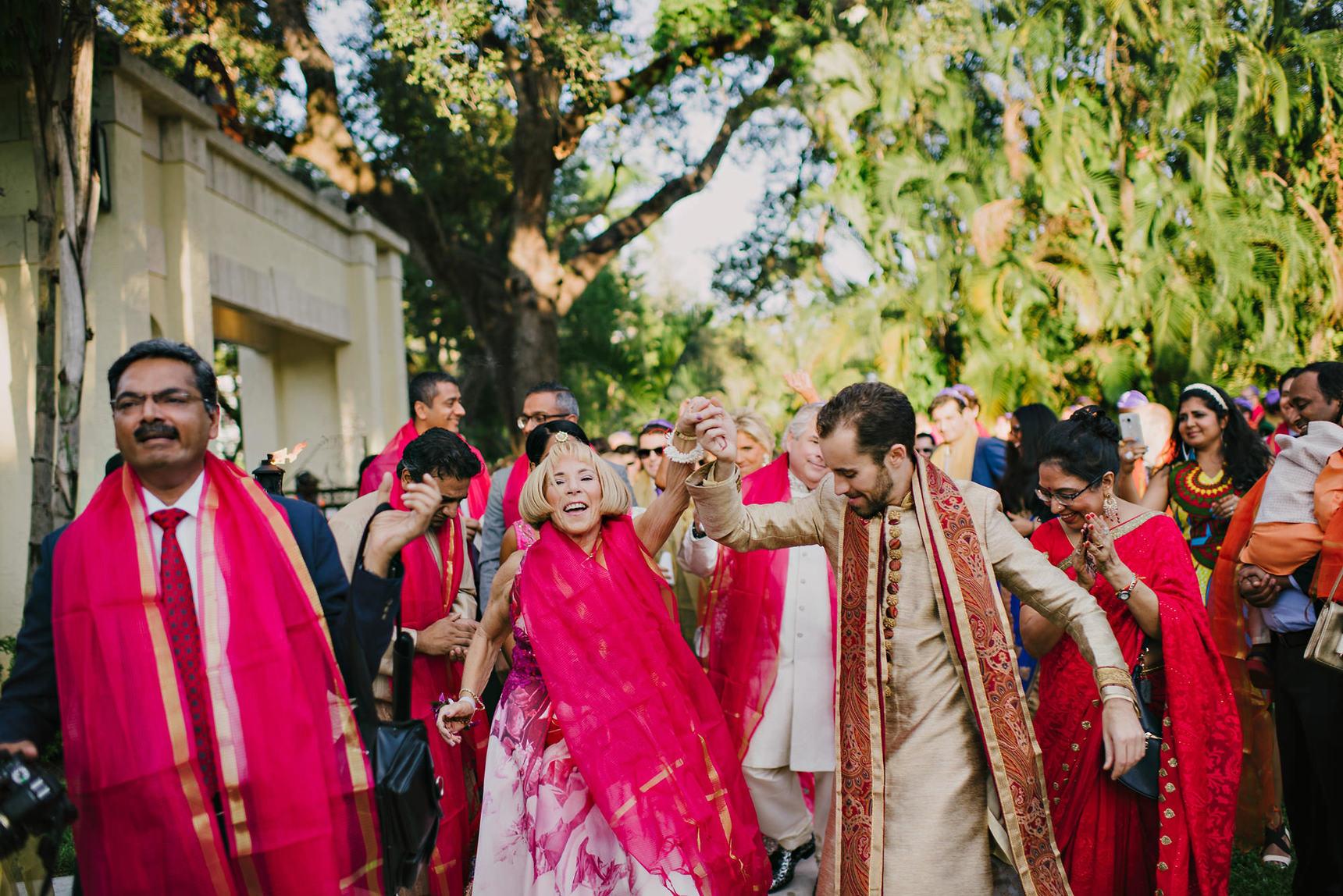 miami-luxury-catering-Wedding-Photography-49(pp_w1720_h1148).jpg