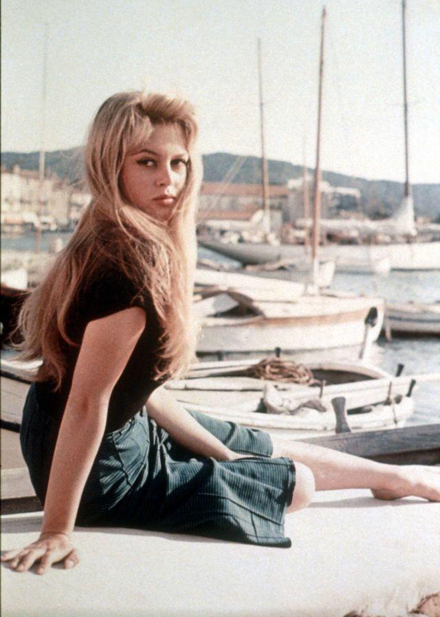 Brigitte Bardot in the 1950s (43).jpg