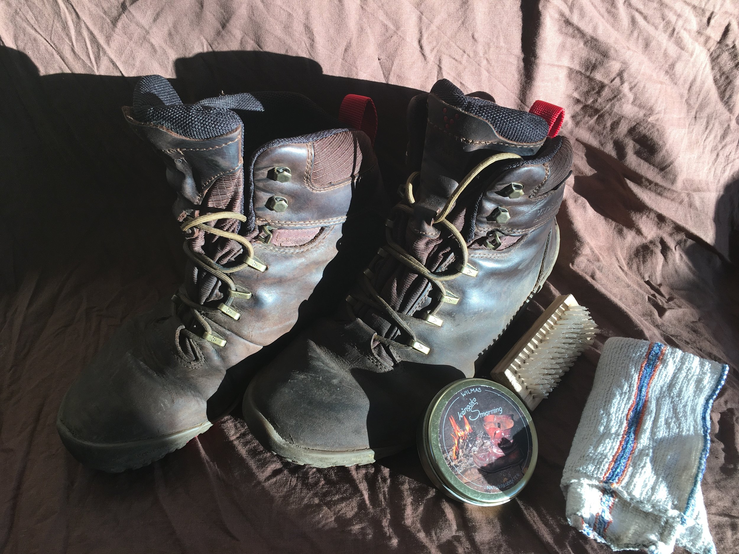 how to treat leather boots