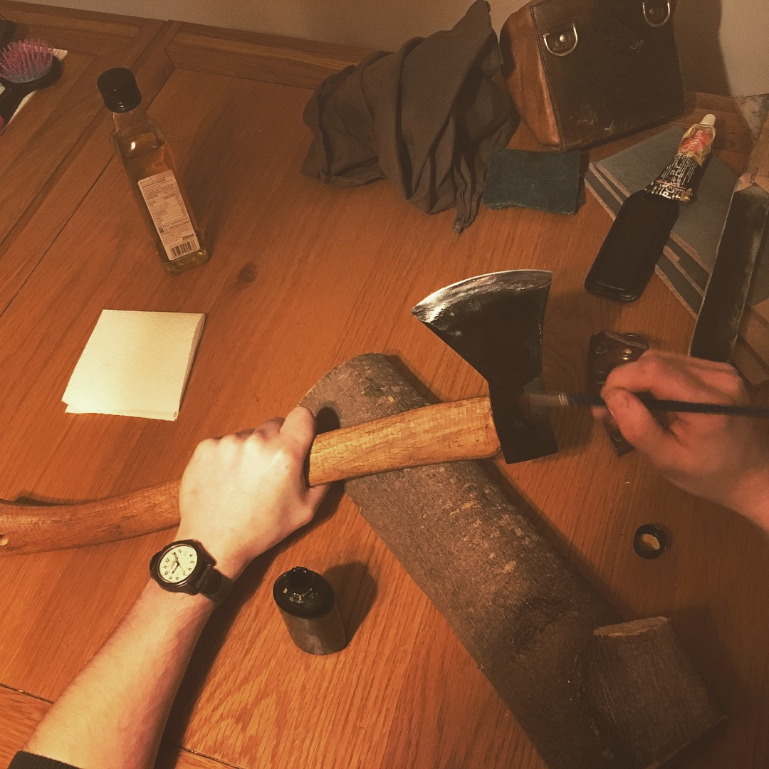 cleaning axe