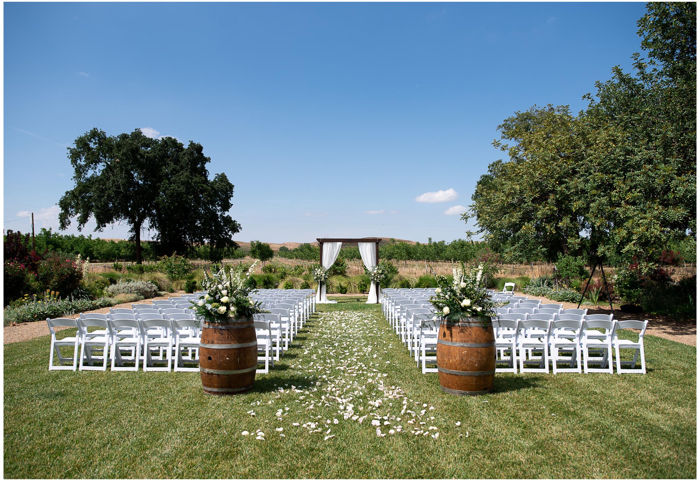 Winters Wedding - Sacramento Photographer - Field & Pond - Justin Wilcox Photography - 17.jpg