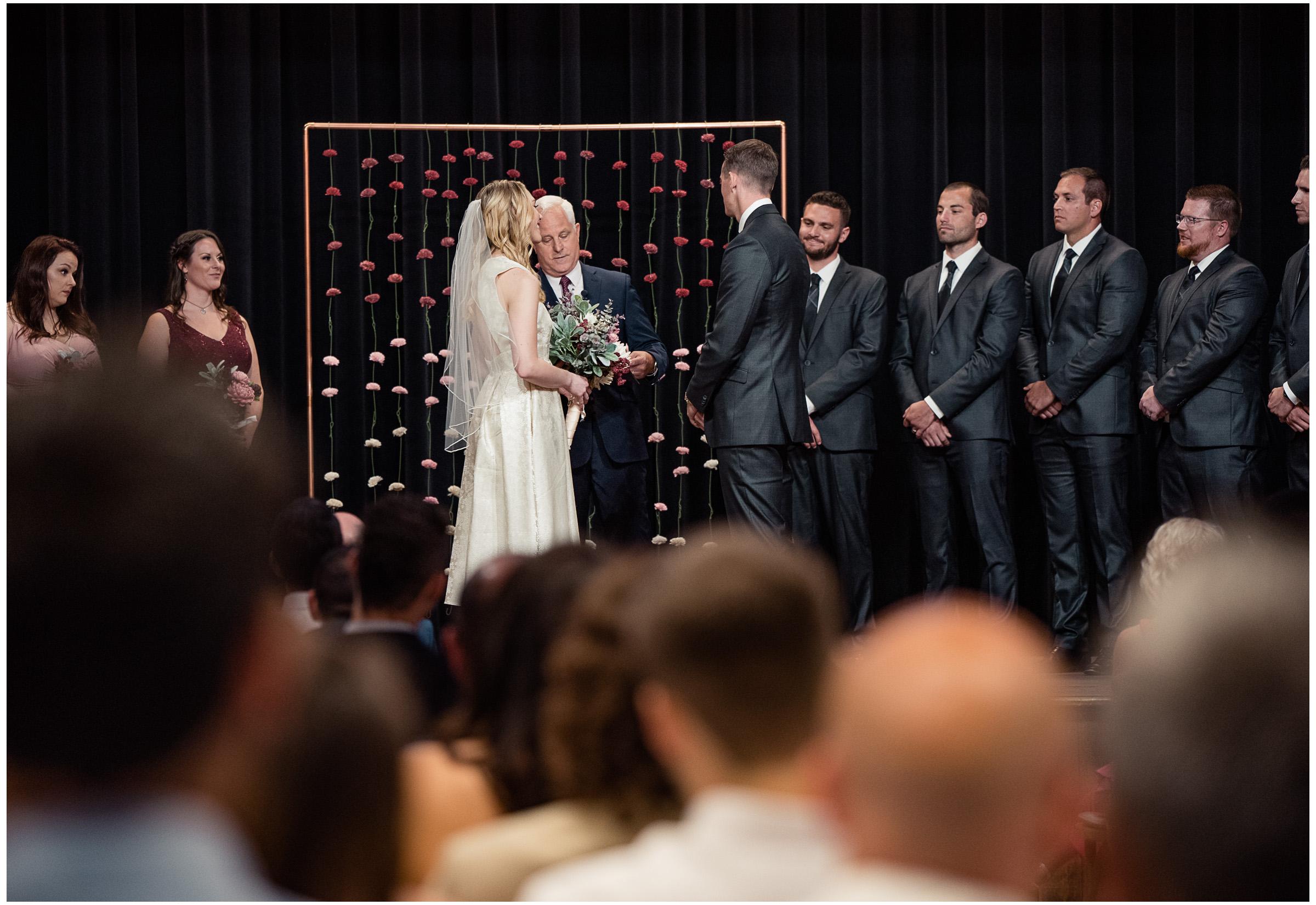 Loomis Wedding - Sacramento Photographer - Blue Goose - Justin Wilcox Photography - 12.jpg