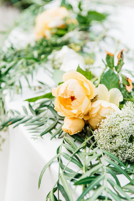 tableflowers.jpg