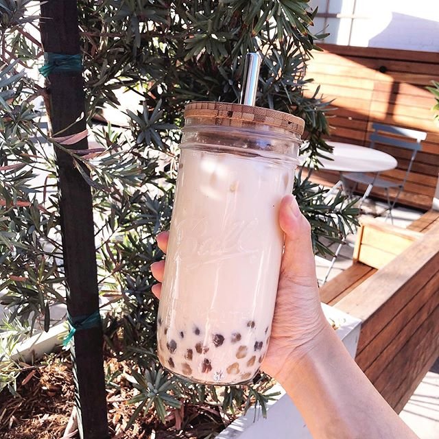 Got boba in my own cup. 🤗 All the boba in house and it was sooo good. My fav was the black sesame! #thisphotoissustainable #zerowasteboba