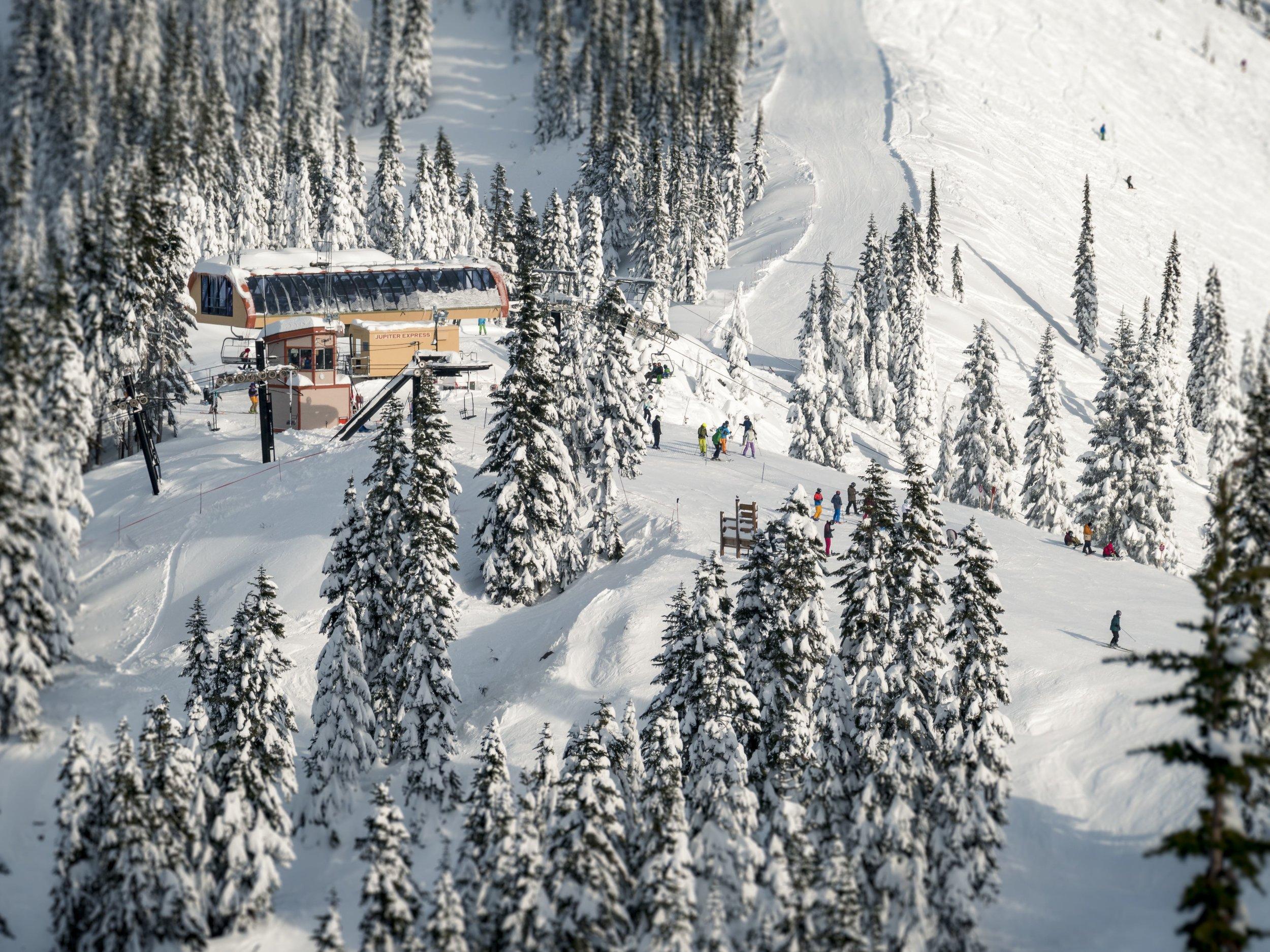 WInter_Mountain_Resort_Ski_Run_Chairlift.jpg