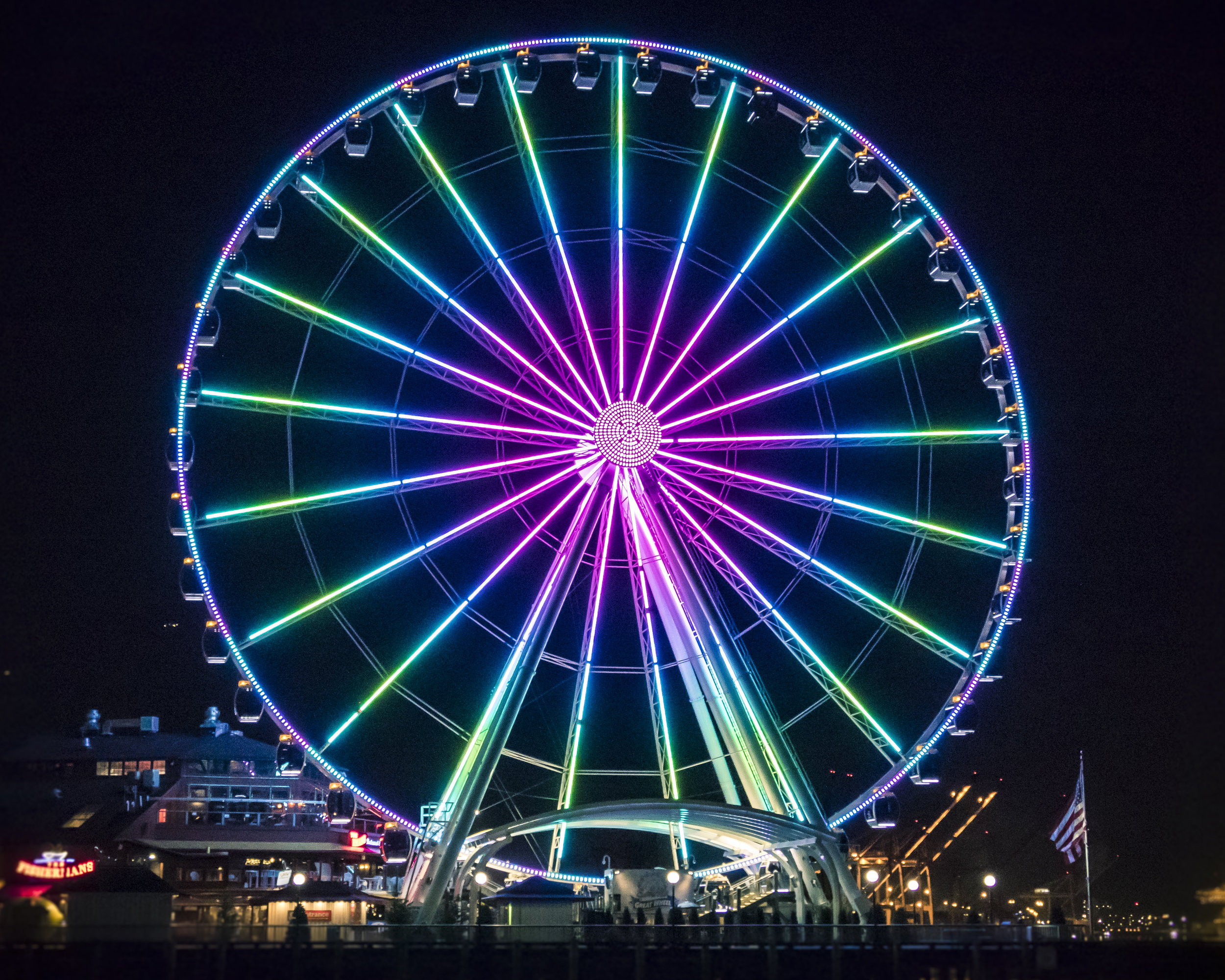 Seattle_Tourist_Attraction_Great_Wheel_Colorful_Night_Lights.jpg