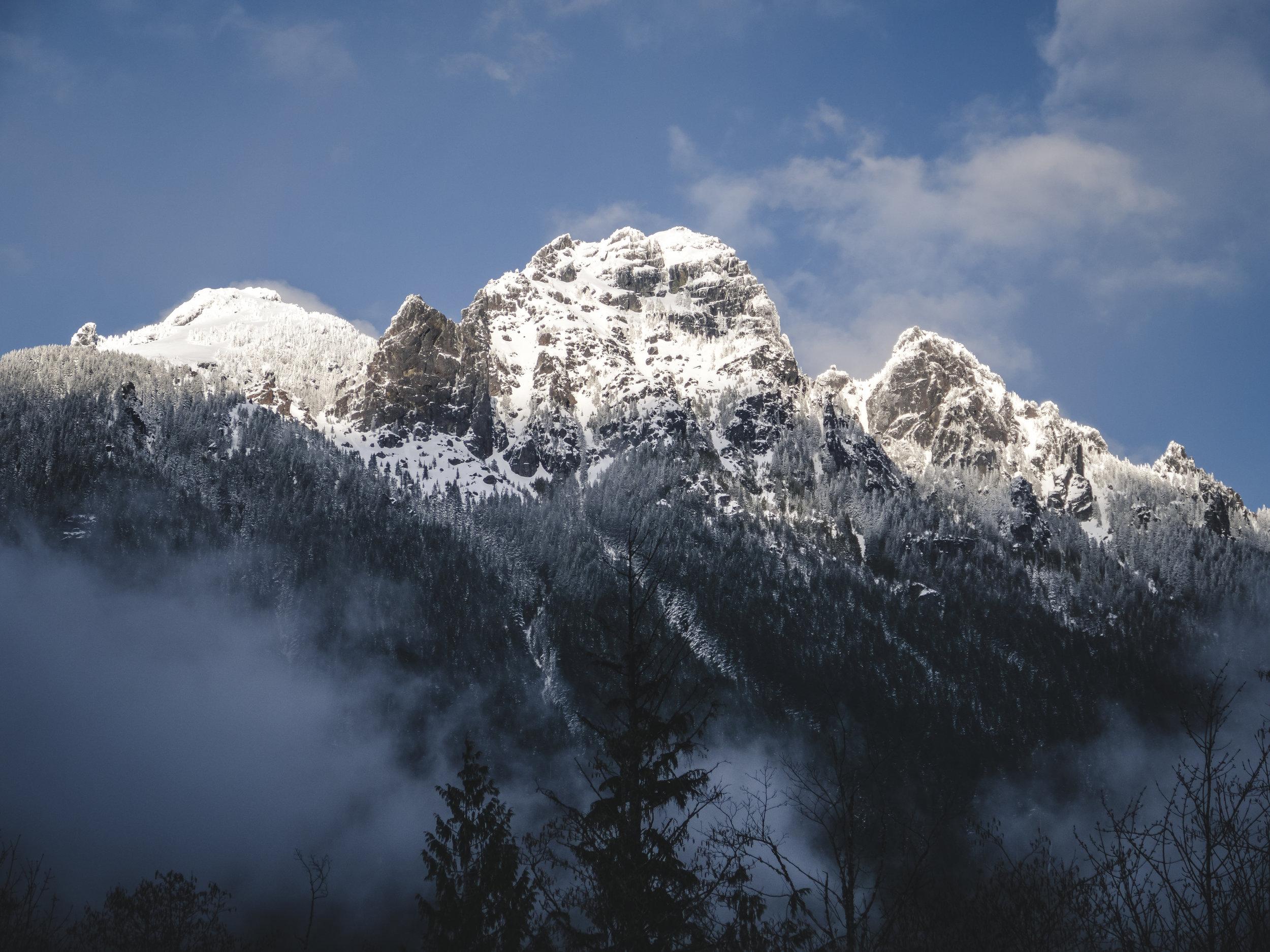 Washington_Roadside_View_of_Snowy_Rock_Mountain.jpg